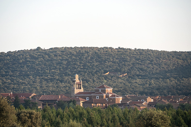 Village Leon Mountains Camino